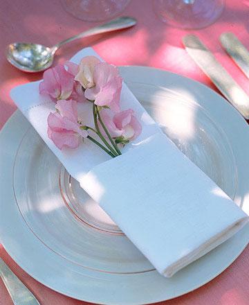 флористическое оформление - цветок на салфетку